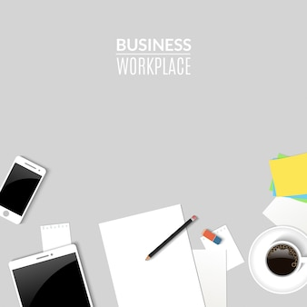 Werkplek met tablet-telefoon en papieren documenten
