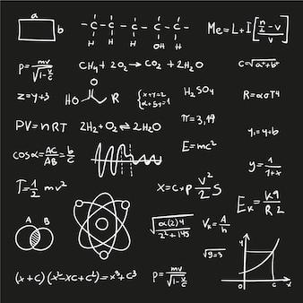 Wetenschappelijke formules op bord in handgetekende