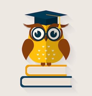 Wijze uil met boeken en gediplomeerde pet