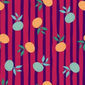 Willekeurig oranje en blauw mandarijn silhouetten naadloos patroon. helder roze gestreepte achtergrond.