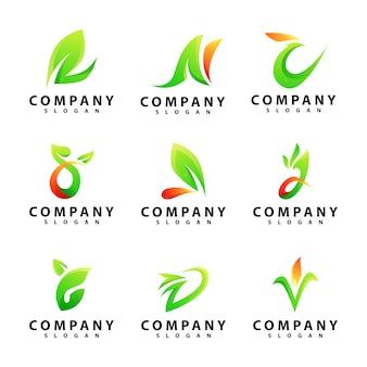Willekeurige letter leaf logo sjabloon set
