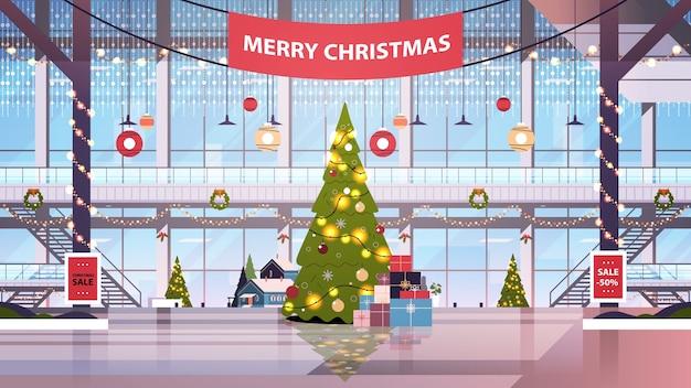 Winkelcentrum centrum met ingerichte dennenboom voor kerstmis en nieuwjaar winter vakantie viering concept leeg geen mensen grote winkel interieur horizontale vectorillustratie