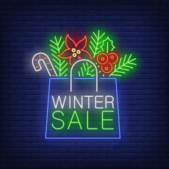 Winter verkoop banner, papieren zak in neon stijl