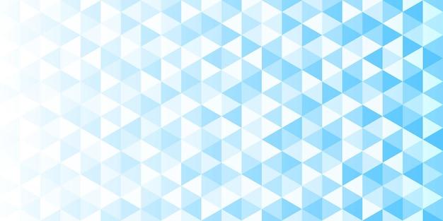 Wit en blauw gradiënt driehoekig patroon, abstracte geometrische veelhoekige achtergrond