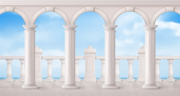 Wit marmeren balustrade en kolommen op balkon
