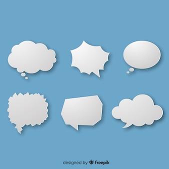 Witte eenvoudige tekstballonnen op blauwe achtergrond