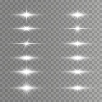 Witte horizontale lensfakkels, laserstralen, lichtflitsen.