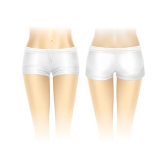 Witte korte broek voor vrouwen geïsoleerd