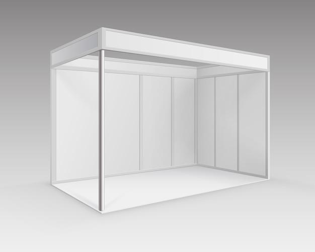 Witte lege indoor vakbeursstand standaardstandaard voor presentatie in perspectief geïsoleerd op achtergrond