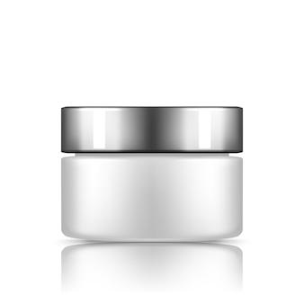 Witte plastic cosmetische pot met zilveren dop mockup geïsoleerd van de achtergrond