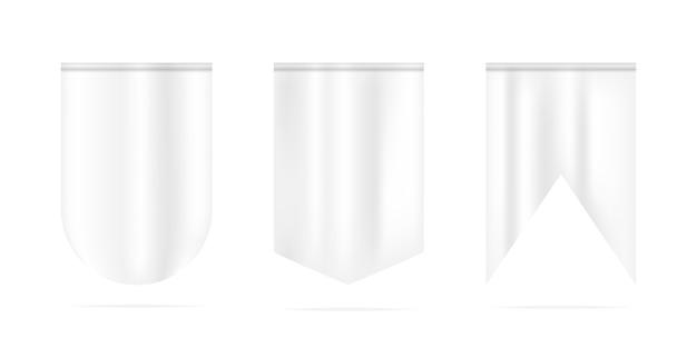 Witte wimpelbanners die op wit worden geïsoleerd