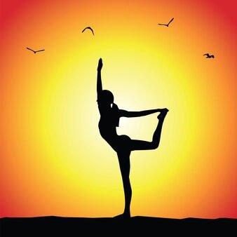 Yoga pose silhouet op zonsondergang achtergrond