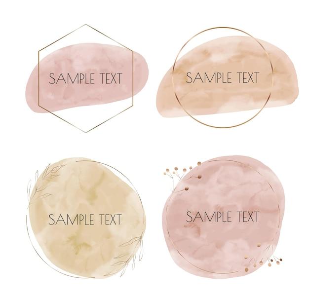 Zachte pastelkleuren roze en naakt penseelstreek aquarel spatten met gouden veelhoekige frames