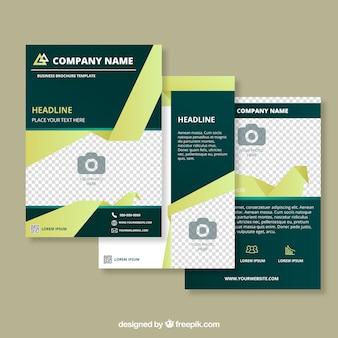 Zakelijke brochures met abstracte vormen