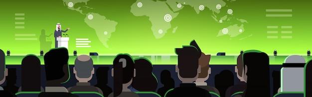 Zakelijke conferentie met arabische zakenman of politicus praten van tribune over wereldkaart arabische spreker op internationale vergadering horizontale afbeelding