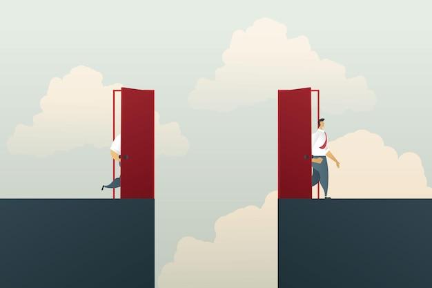 Zakelijke kansen voor zakenman stappen door de rode deur