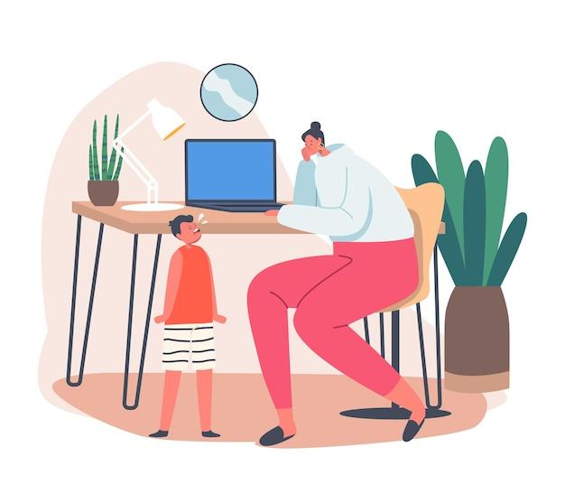 Zakelijke moeder werkt vanuit huis met klein kind huilend in de buurt van bureau. werkplek. jonge moeder karakter werk op laptop met baby. werken op afstand, zelfisolatie met familie. cartoon mensen vectorillustratie