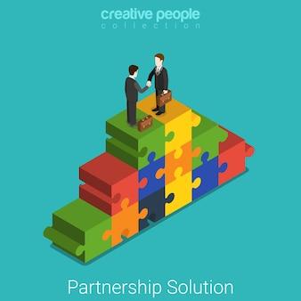 Zakelijke partnerschap oplossing plat isometrische concept zakenlieden handdruk op puzzelstukje piramide.