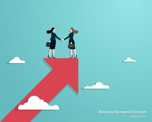 Zakelijke vrouwen partners handshaking over business