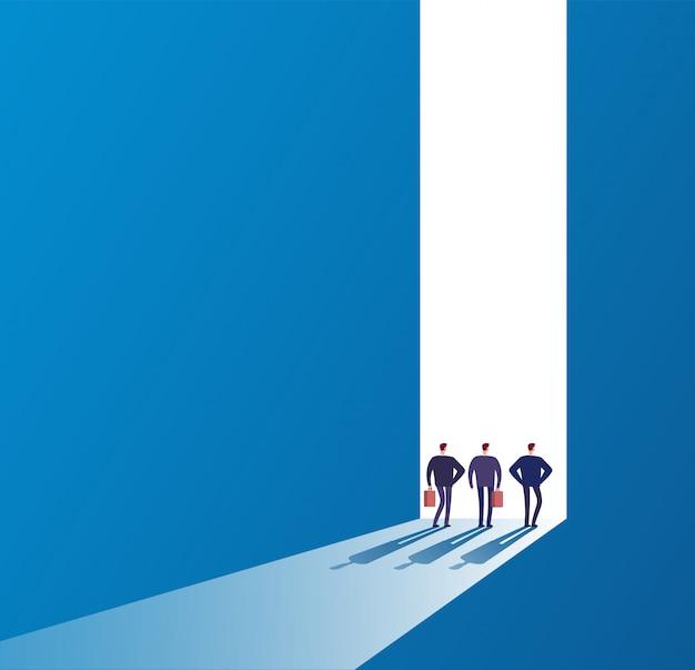 Zakenlieden bij open deur. toekomstig pad, nieuwe reis en succesvolle ideeën. bedrijfs onbekend kansen vectorconcept