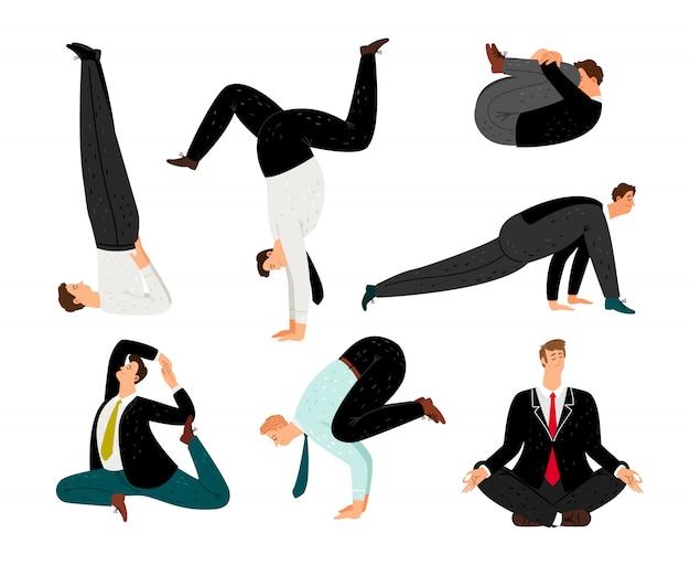 Zakenlieden die yoga doen
