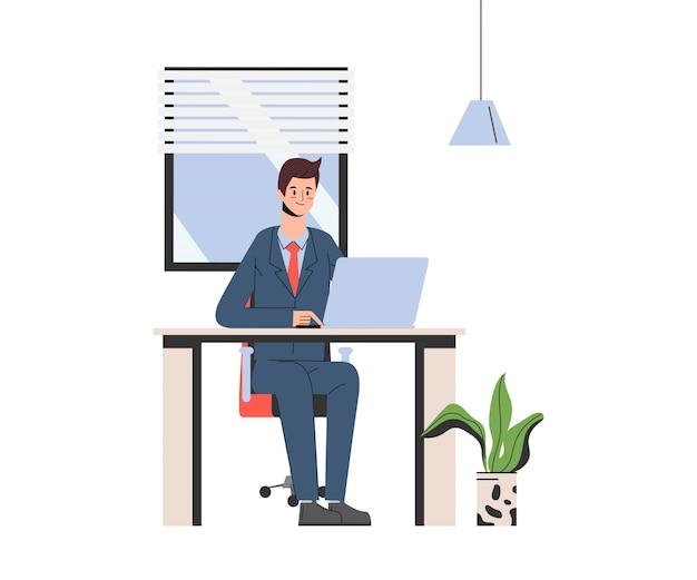 Zakenman die aan een laptop computer in bureau werkt.