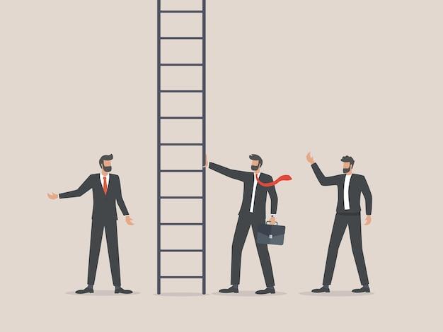 Zakenman die carrièreladder beklimt omhoog nieuwe kansen op werk