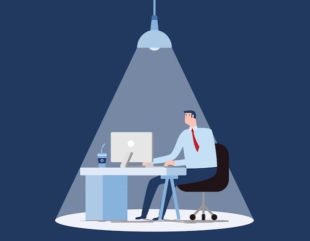 Zakenman die lange uren op kantoor verblijft