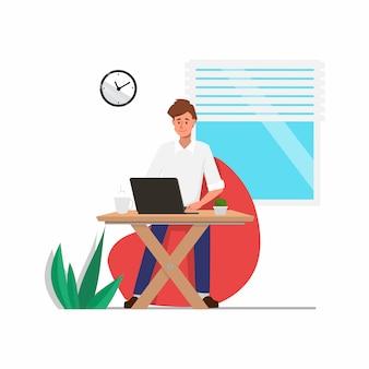 Zakenman die met een computerlaptop karakter werkt.
