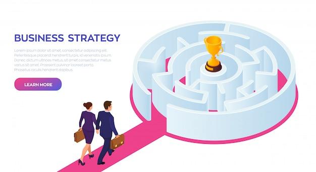 Zakenman en zakenvrouw lopen naar het succes door het labyrint. gold trophy cup van de winnaar in het doolhof.