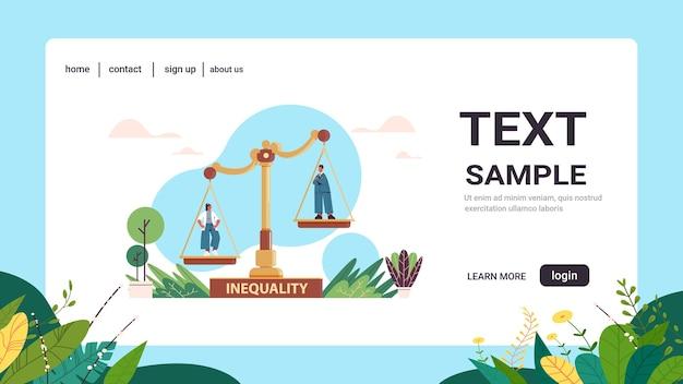 Zakenman en zakenvrouw op schalen bedrijfsconcept ongelijkheid gender man versus vrouw ongelijke kansen kopie ruimte horizontaal
