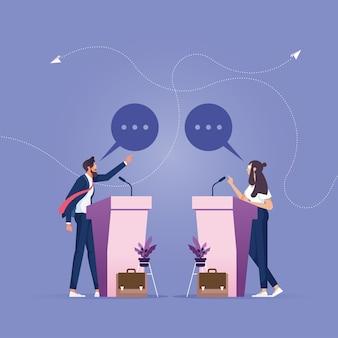 Zakenman en zakenvrouw permanent op podium met debat over zakelijke aangelegenheden