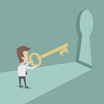 Zakenman met gouden sleutel om te ontgrendelen