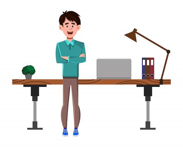 Zakenman stripfiguur staat in de buurt van zijn tafel of werkplek