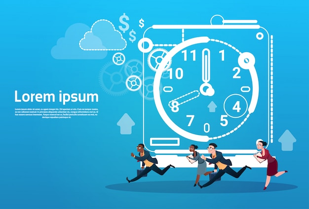 Zakenmensen groep run klok zakenmensen tijd deadline concept