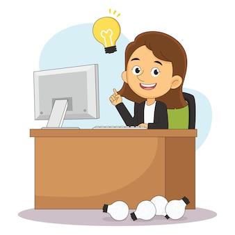 Zakenvrouw die aan haar bureau werkt en veel ideeënbollen maakt