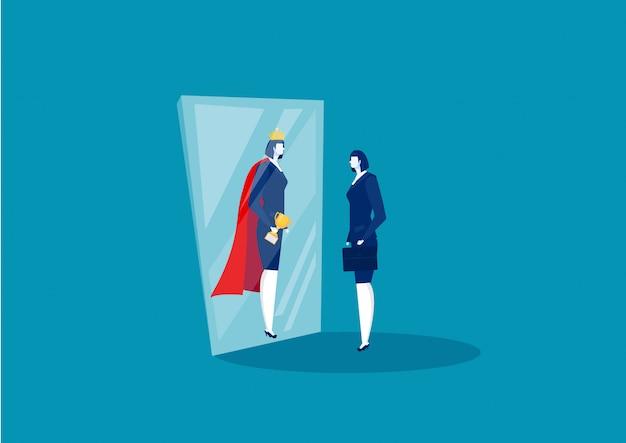 Zakenvrouw kijkt in de spiegel en ziet super koningin