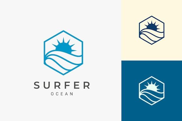 Zee- of waterkant-logo in eenvoudige en schone zeshoekige vorm