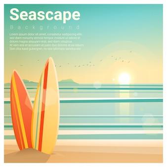 Zeegezichtachtergrond met surfplanken op het strand
