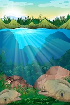 Zeemonster onderwater zwemmen