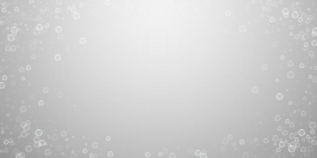 Zeepbellen abstracte achtergrond. bellen blazen op lichtgrijze achtergrond. verbazingwekkende overlay-sjabloon van zeepachtig schuim. overweldigende vectorillustratie.