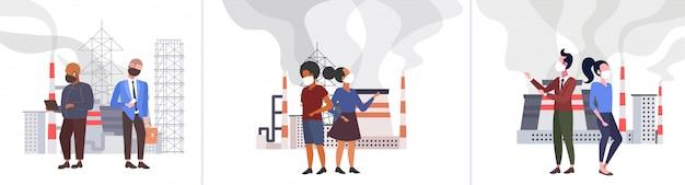 Zet verschillende mensen in beschermende gezichtsmaskers giftige luchtvervuiling industrie smog vervuilde omgeving concept mannen vrouwen staan buiten industrieel landschap volledige lengte horizontaal Premium Vector