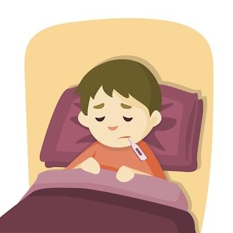 Zieke kindjongen die in bed met koorts ligt