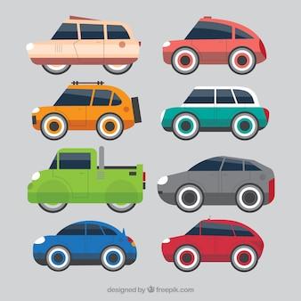 Zijaanzicht van vlakke speelgoedauto's