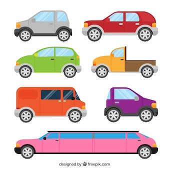 Zijaanzicht van zes auto's en een luxe limousine