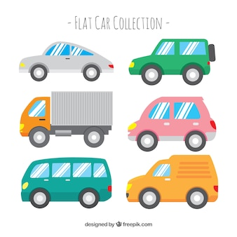 Zijaanzicht van zes auto's met glanzende ramen