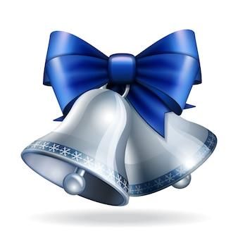 Zilveren bellen met blauw lint.