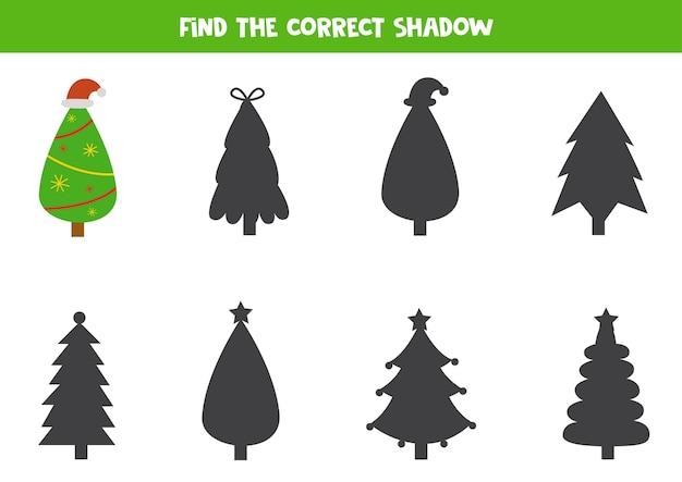 Zoek schaduw van cartoon kerstboom logisch educatief spel voor kinderen