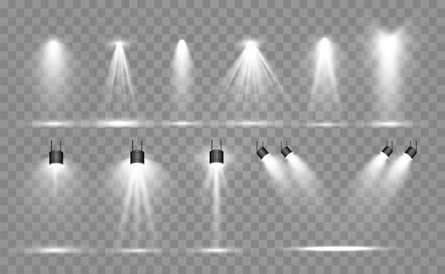 Zoeklichtcollectie voor podiumverlichting, lichttransparante effecten. heldere mooie verlichting met schijnwerpers.