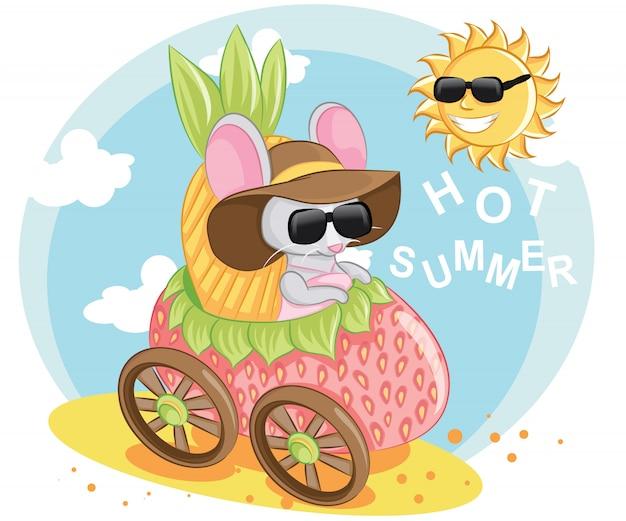 Zomer muis op een scooter. illustratie van een muis met zonnebril op een auto aardbei.
